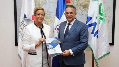 Photo of MAP sobrepasará meta de 100 Cartas Compromisos al Ciudadano de entidades públicas en actual gestión.