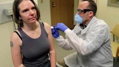 Photo of Habla la primera voluntaria para el estudio de la vacuna contra el coronavirus.