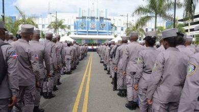 Photo of Acuartelan agentes policiales y efectivos militares del país.