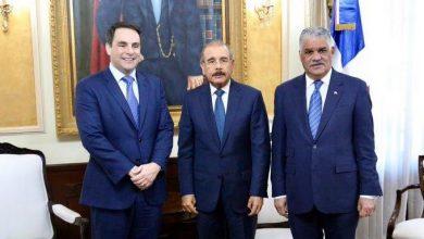 Photo of Danilo Medina se reúne con embajador de Estados Unidos ante OEA.
