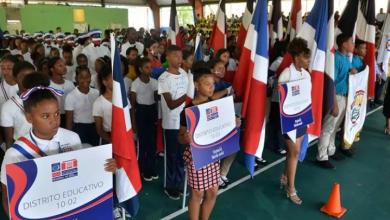 Photo of Marcha Escolar resalta los valores patrios dominicanos.
