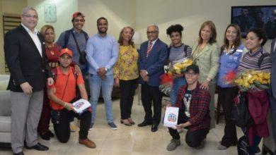 Photo of Así fueron recibidos los estudiante dominicanos que se encontraban en cuarentena en Ucrania.
