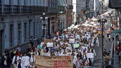 Photo of Miles de jóvenes claman por seguridad en México tras asesinato de estudiantes.