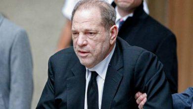 Photo of Harvey Weinstein condenado a 23 años de prisión por violación y acto sexual criminal.