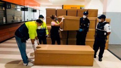 Photo of Guayaquil comienza a repartir ataúdes de cartón ante crisis de los cadáveres.