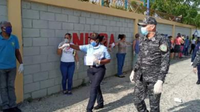 Photo of Director Policía Escolar encabeza supervisión operativo protección centros educativos.