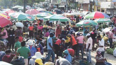 Photo of El comercio se adelanta a la apertura dispuesta por el gobierno para mañana.