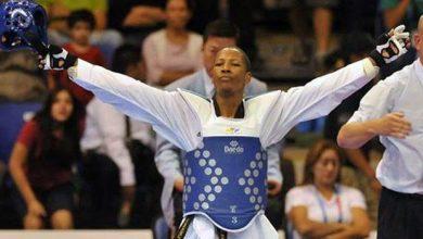 Photo of Dan de alta al medallista olímpico Gabriel Mercedes.