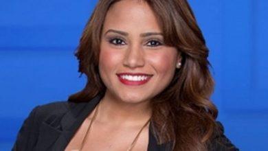 Photo of Joven dominicana gana Emmy por mejor dirección de arte en el show de Kelly Clarkson.