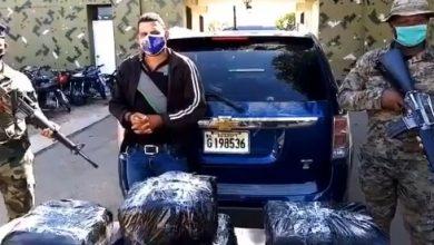 Photo of Detienen hombre con unas 70 libras de sustancia presumiblemente marihuana en Dajabón.