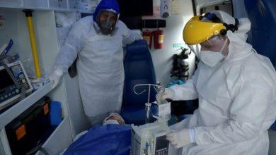Photo of Más de 130,000 muertos por COVID-19 en EEUU, entre advertencias sobre transmisión por aire.