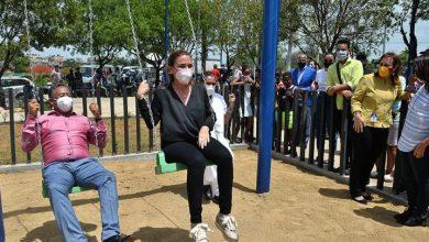 Photo of Carolina inaugura parque en sector La Zurza DN.