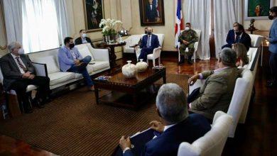 Photo of Danilo Medina se reúne con Comité de Emergencia para tratar medidas de coronavirus.