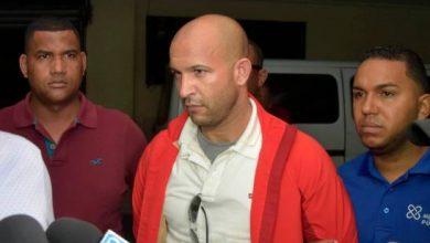 Photo of Denuncian sacan de la cárcel en las noches a Ambiórix Nepomuceno, acusado de matar abogada.