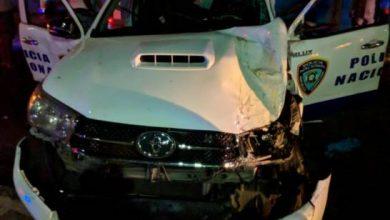 Photo of Agente policial resulta herido en accidente durante persecución en Santiago.