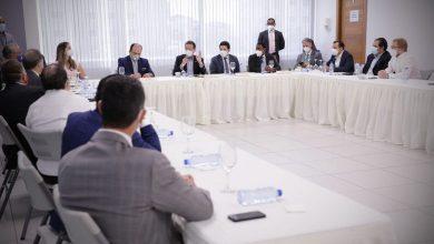 Photo of Ito Bisonó recibe a ejecutivos de empresas de importación y distribución de combustibles.