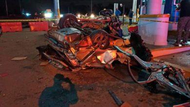 Photo of Vehículo se estrella en el peaje de la Circunvalación Norte, reportan un fallecido.