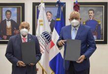 Photo of Ministerio Educación y Tribunal Constitucional firman acuerdo para elaboración de Cátedra Constitución