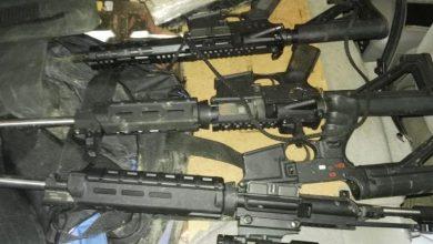 Photo of Autoridades ocupan tres fusiles de asalto, drogas y chalecos antibalas en yipeta que perseguían desde La Romana