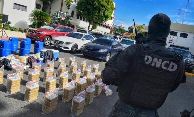 Photo of Incautan en altamar 175 paquetes de cocaína con el letrero «2020»
