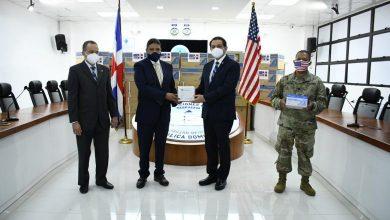 Photo of Embajada de Estados Unidos dona 200 mil unidades de jeringas al país