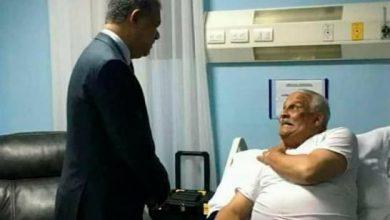 Photo of Leonel Fernández visita a Jaime David Fernández Mirabal en el hospital