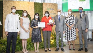 Photo of Periodistas de Diario Libre, Forbes y Nuria ganan Premio Periodismo Ambiental 2021